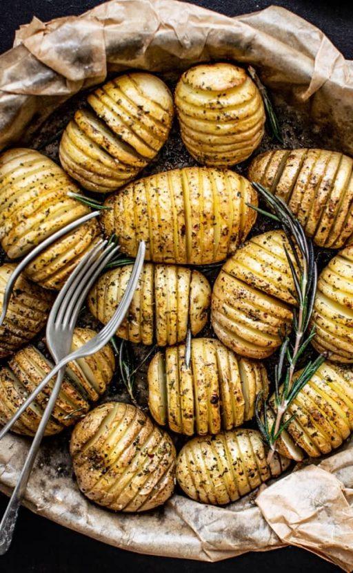 Fächerkartoffeln mit Rosmarin gewürzt