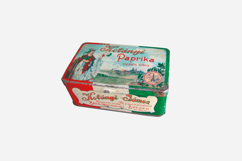 Опаковки от смлян червен пипер Kotányi от 1900 г.