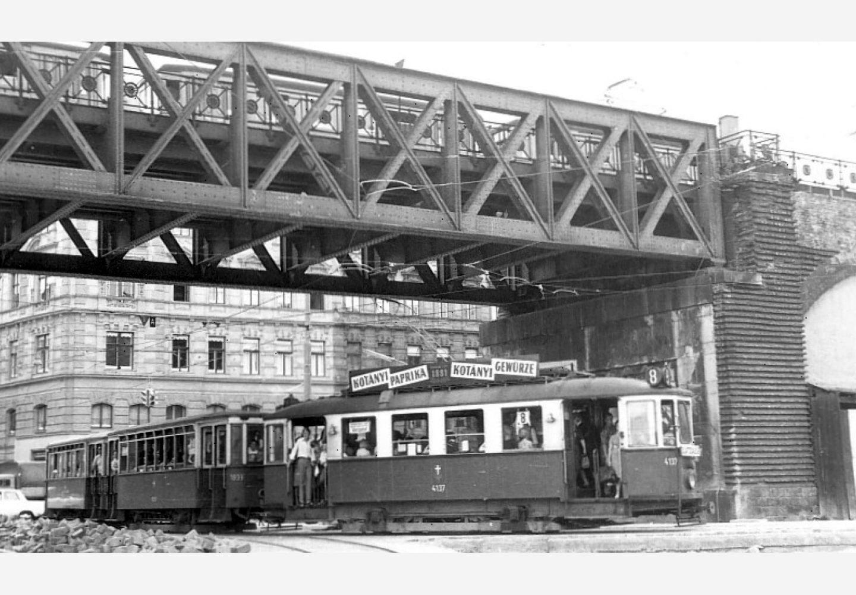 Трамвай във Виена с реклама на Kotányi от 1957 г.